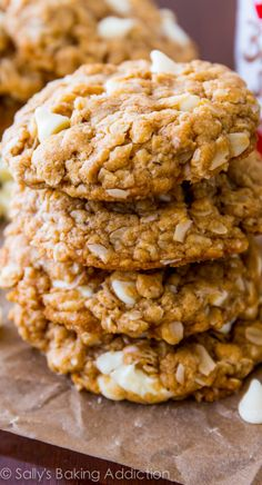 NO MIXER! Soft & chewy oatmeal cookies made with Biscoff spread and stuffed with sweet white chocolate. So easy!