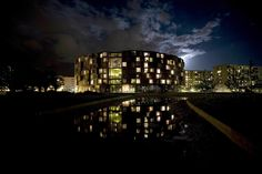 Tietgenkollegiet #circular #faceted #facade #night