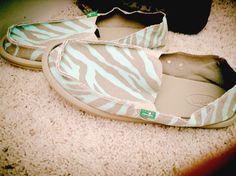 Sanuk shoes(: