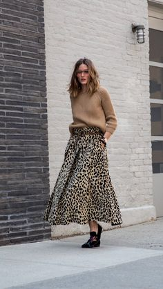 Olivia Palermo with the wide leopard print skirt - Outfits for Work Animal Print Skirt, Leopard Print Skirt, Animal Prints, Cheetah Print, Leopard Prints, Animal Print Style, Leopard Print Dress Outfit, Animal Print Flats, Leopard Belt