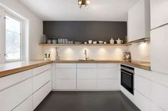 Love looking for great white kitchen decorating ideas? Check out these gallery of white kitchen ideas. Tag: White Kitchen Cabinets, Scandinavian, Small White Kitchen with Island, White Kitchen White Witchen Countertops Kitchen Interior, New Kitchen, Kitchen Dining, Kitchen Decor, Kitchen Ideas, Kitchen Designs, Kitchen Storage, Kitchen Modern, U Shape Kitchen