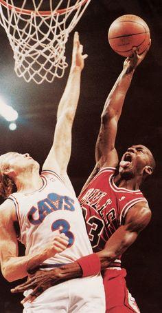 Michael Jordan dunks on Craig Ehlo