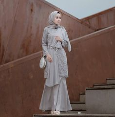 Discover recipes, home ideas, style inspiration and other ideas to try. Hijab Prom Dress, Hijab Gown, Muslimah Wedding Dress, Hijab Style Dress, Hijab Outfit, Kebaya Modern Hijab, Kebaya Hijab, Kebaya Muslim, Muslim Dress