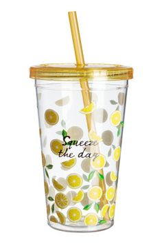 Mug in transparent plastic with a printed design. Screw-top lid with a straw. Diameter at top 4 in., height 5 in. Drinking Water Bottle, Glass Water Bottle, Que Bottle, Tapas, Justice Accessories, Plastic Mugs, Funny Coffee Cups, Cute Cups, Cup With Straw