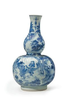 A blue and white double-gourd vase, Transitional period, circa 1635-50
