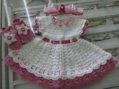Resultado de imagem para receita facil de vestidinho de bebe em croche