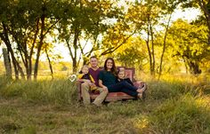 Photography Business, Family Photography, Photography Ideas, Family Of 4, Family Photos, Couple Photos, Family Photo Colors, Expressions Photography, Sofa