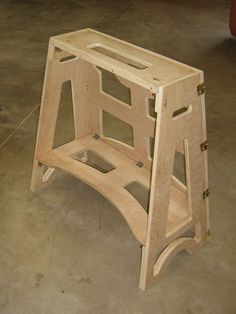 Billed as a portable lathe stand.would make a great design for a foldable sawhorse. Workbench Designs, Woodworking Workbench, Woodworking Workshop, Woodworking Projects, Woodworking Classes, Plywood Projects, Wood Turning Projects, Wood Turning Lathe, Wood Lathe