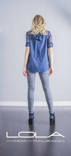 No se puede tener mejor estilo.  Pincha este enlace para comprar tu blusa TWIN SET en nuestra tienda on line:  http://lolamodaycalzado.es/otono-invierno-2016/860-blusa-azul-de-twin-set.html