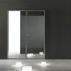 De Spin dubbele binnendeuren zijn uitgerust met Rimadesio?s gepatenteerde magneetsluiting. Een exclusieve ontwikkeling die een geheel nieuwe benadering van het open-en-sluit mechanisme weerspiegelt. De essentie van het Spin-ontwerp is hetzelfde consequent -