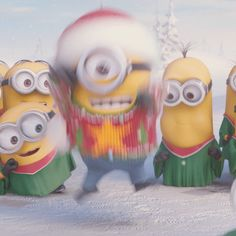Minions - Here comes Santa! Here comes Santa! Minion Gif, Despicable Minions, Minions Love, Minions New Year, Good Morning Minions, Minions Animation, Funny Minion Pictures, New Year Gif, Cute Love Gif