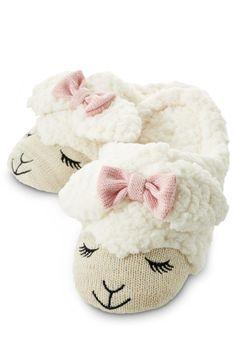 Cream Lambie Count Sheep Slippers - Medium/Large - Bath & Body Works - Bath & Body Works
