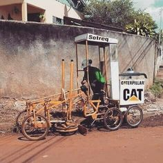 How am I? #Mega #Crazy #Machines Logging Equipment, Heavy Equipment, Homemade Tractor, Caterpillar Equipment, Cat Machines, Rv Truck, Mechanic Humor, Local Contractors, Construction Machines
