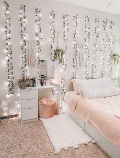 Cozy Room, Cozy Room Decor, Cute Dorm Rooms, Redecorate Bedroom, Bedroom Makeover, Bedroom Decor, Aesthetic Room Decor, Girl Bedroom Decor, Room Decor