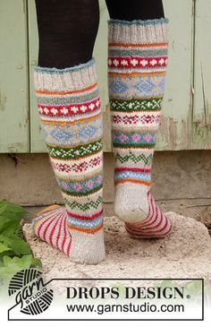 Winter Carnival Socks Drops - - Free Knitting Patterns By Drops Design, Knitting Patterns Free, Free Knitting, Knit Or Crochet, Crochet Pattern, Motifs Beanie, Drops Karisma, Magazine Drops, Knit Art