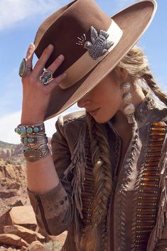 A premiere lifestyle brand inspired by the West with an apparel collection consisting of jackets, tops, dresses, skirts, boots and hats. Moda Cowgirl, Cowgirl Mode, Estilo Cowgirl, Cowgirl Hats, Estilo Boho, Gypsy Cowgirl Style, Sexy Cowgirl, Gypsy Style, Hippie Style