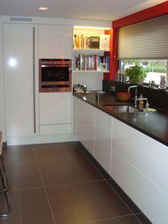 Afbeeldingsresultaat voor keuken hoge kasten hoek