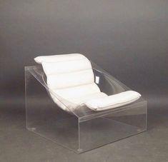 A lounge chair, model Toy, Italian design by Rossi Molinari for Totem. Funky Furniture, Unique Furniture, Industrial Furniture, Vintage Furniture, Furniture Design, Plexiglass, Interior Architecture, Interior Design, Chaise Vintage