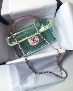 Discover Chanel Pre-Owned Bags on sale at Farfetch. Find of Chanel Pre-Owned pieces at up to off today. Check out securely & enjoy ✈ express shipping. Luxury Purses, Luxury Bags, Luxury Handbags, Designer Handbags, Replica Handbags, Designer Bags, Designer Clothing, Givenchy, Balenciaga
