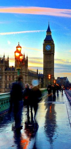London in the rain by Ed Younan on 500px
