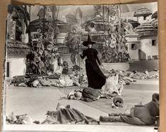 Twenty-seven original behind-the-scenes snapshots taken on the set of The Wizard of Oz - Price Estimate: $3000 - $5000