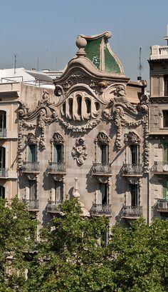 Casa Comalat. 1911. Barcelona, Catalonia. Salvador Valeri i Pupurull