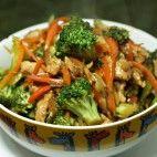 Kuracie Teriyaki s brokolicou Japchae, Broccoli, Chicken, Meat, Vegetables, Ale, Ethnic Recipes, Food, Ale Beer