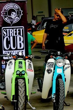 Honda custom bikes C 90 Honda Cub, C90 Honda, Honda Ruckus, Estilo Cafe Racer, Cafe Racer Style, Cafe Racer Bikes, Honda Custom, Custom Bikes, Honda Bikes
