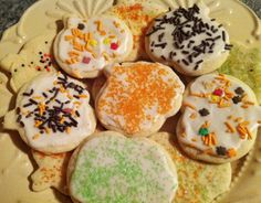 Low-fat (gastroparesis-friendly) iced cut out cookies. (from www.LivingWithGastroparesis.com)