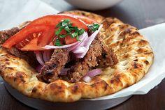 Σπιτικό ντονέρ κεμπάπ (γύρος) Turkish Kebab, Dairy Free Keto Recipes, Mince Meat, Food Categories, Greek Recipes, Yummy Recipes, Food Photo, Vegetable Pizza, Food And Drink