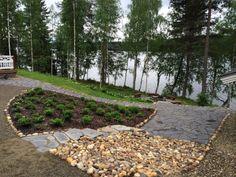 Kaunis rantamiljöö. Luonnonkiviportaiden ja liuskekivien asennustyö kesältä 2014.