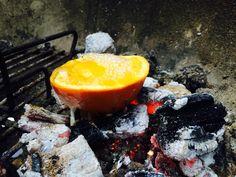 Eitje bakken in een sinaasappel