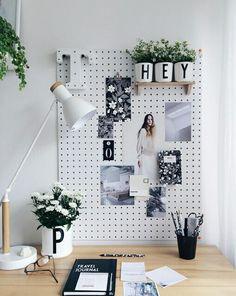 creare l'angolo studio in soggiorno. Idea: una griglia porta-oggetti