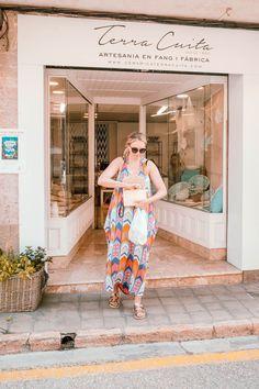 In dem Ort Santanyi auf Mallorca gibt es mittlerweile zahlreiche Geschäfte, in denen man wunderschöne Dekoration und Möbel kaufen kann. Wir nehmen Euch mit zu einen Stadtbummel!