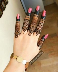 Mehndi or Henna for Fingers Designs Simple Mehndi Designs Fingers, Latest Finger Mehndi Designs, Henna Tattoo Designs Simple, Back Hand Mehndi Designs, Mehndi Designs Book, Mehndi Designs For Girls, Mehndi Designs For Beginners, Dulhan Mehndi Designs, Fingers Design