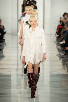 Maison Margiela Spring 2016 Couture Fashion Show Fashion Week, High Fashion, Fashion Beauty, Fashion Show, Vogue Mexico, Spring Couture, Couture Collection, Street Chic, Spring 2016