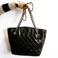 A beautiful #Chanel bag for a reasonable price? This piece in excellent vintage condition could be yours for 500!