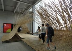 Japanese architect Kengo Kuma has bent bamboo into walkways and seating at this year's Gwangju Design Biennale in South Korea. Bamboo Architecture, Architecture Design, Vernacular Architecture, Kengo Kuma, Interactive Walls, Interactive Installation, Installation Art, Gros Morne, Bamboo Art