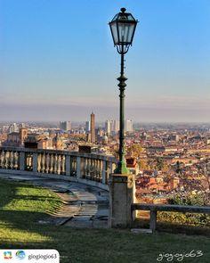 Buongiorno Bologna Complimenti a @giogiogio63 per questa particolare veduta della città. Segui @Vivo_Bologna Usa il tag #vivo_bologna Visita vivobologna.com Contattaci a info@vivobologna.com ------------------ Belvedere di villa Baruzziana.. - #vivobologna #volgobologna #ig_bologna #ig_bologna_ #loves_bologna #bologna_city #labellabologna #bologna_medievale #loves_united_bologna #thehub_bologna #super_bologna_channel #thehub_emiliaromagna #loves_united_emiliaromagna #vivoemiliaromagna…