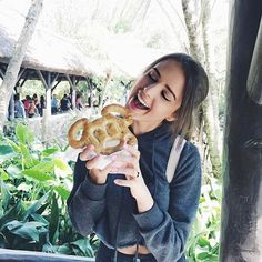 I freaking love Jess conte💖💖 Disney College, Disney Day, Disney Love, Disney Magic, Disney Stuff, Disneyland Trip, Disney Trips, Disney Parks, Walt Disney World