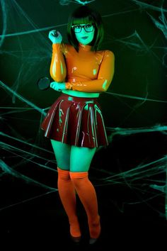 Latex Velma Crop Top and Skating Skirt Black Girl Halloween Costume, Halloween Costumes For Girls, Halloween Cosplay, Cosplay Outfits, Cosplay Girls, Cosplay Latex, Latex Costumes, Cosplay Mignon, Halloween Outfits