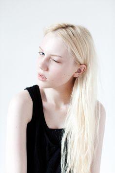 Myra hair