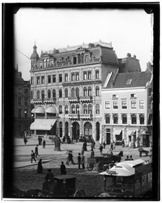 Dam square - north side - around 1890 Amsterdam Holland, New Amsterdam, Old Pictures, Old Photos, Amsterdam Pictures, Dam Square, Places Of Interest, Urban, Rotterdam