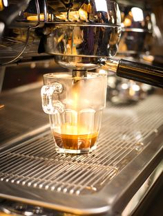 Espresso the best - by Illy Coffee Italy :-) Cafe Restaurant, Catering, Espresso, Coffee Maker, Kitchen Appliances, Italy, Mediterranean Kitchen, Home Made, Espresso Coffee