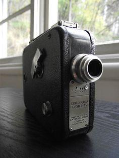 Art Deco Kodak Cine Film Camera by JuniperHome on Etsy - Kodak Camera, Movie Camera, Old Cameras, Vintage Cameras, 8mm Film, Film Photography, Cinematography, Geometric Shapes