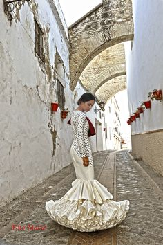Flamingo Dress, Mexican Dresses, Black White Red, Spanish Style, Traditional Outfits, Flamenco Dresses, Dress Up, White Dress, Stylish