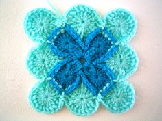 excellent step by step on barvarian crochet.......sarah london