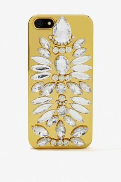 Not my cup of tea… and it would look better on a white iPhone. Chrome Bling Case