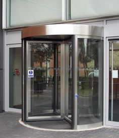 76e57b096 Upgrading facilities for staff and visitors to the E.ON headquarters in  Coventry, TORMAX recently installed a prestigious revolving entrance.