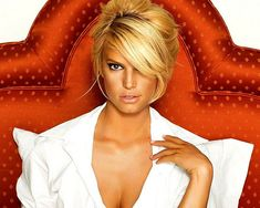 updo with bangs Get A Glimpse of Celebrity Hairstyles With 24 Jessica Simpson Hairdo Collection